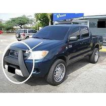 Mataburro Toyota Hilux Kavac Con Sus Tornillos Nuevo