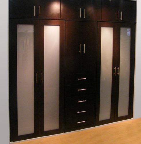 Imagenes de closet modernos imagui for Closet de madera para dormitorios pequenos