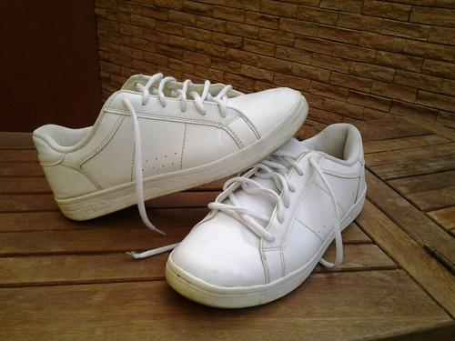 Zapatos Deportivos Marca Fila Talla 41 Usados Hecho En China f5ad3e4e1ba