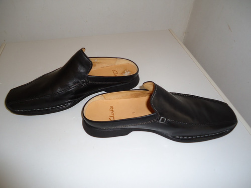 9609e2f8 Zapato Clarks Suecos Negro De Hombre Talla 40. (55)