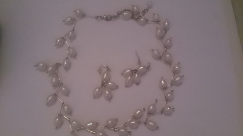 d765497c402d Vendo Collar De Perlas Naturales Original Con Zarcillo