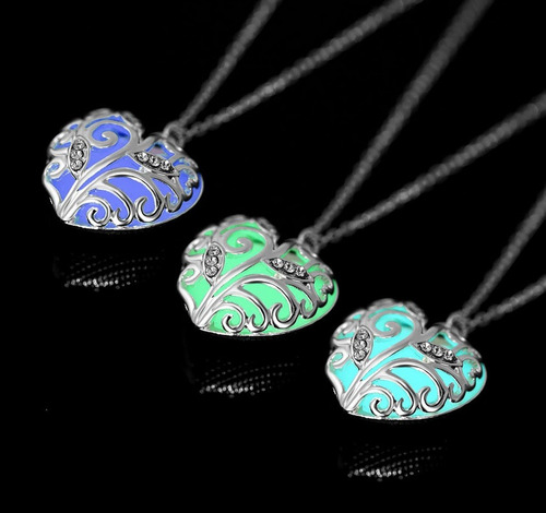 09b26fe38274 Collar Corazon Amor Luminoso Glow Mujer Potter Regalo Madre