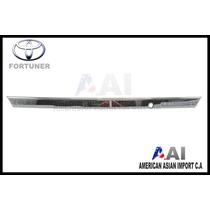 Platina Trasera Cromados / Toyota Fortuner