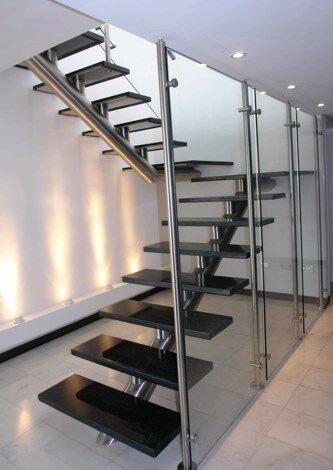 Barandas pasamanos y escaleras de acero inoxidable for Tipos de escaleras arquitectura