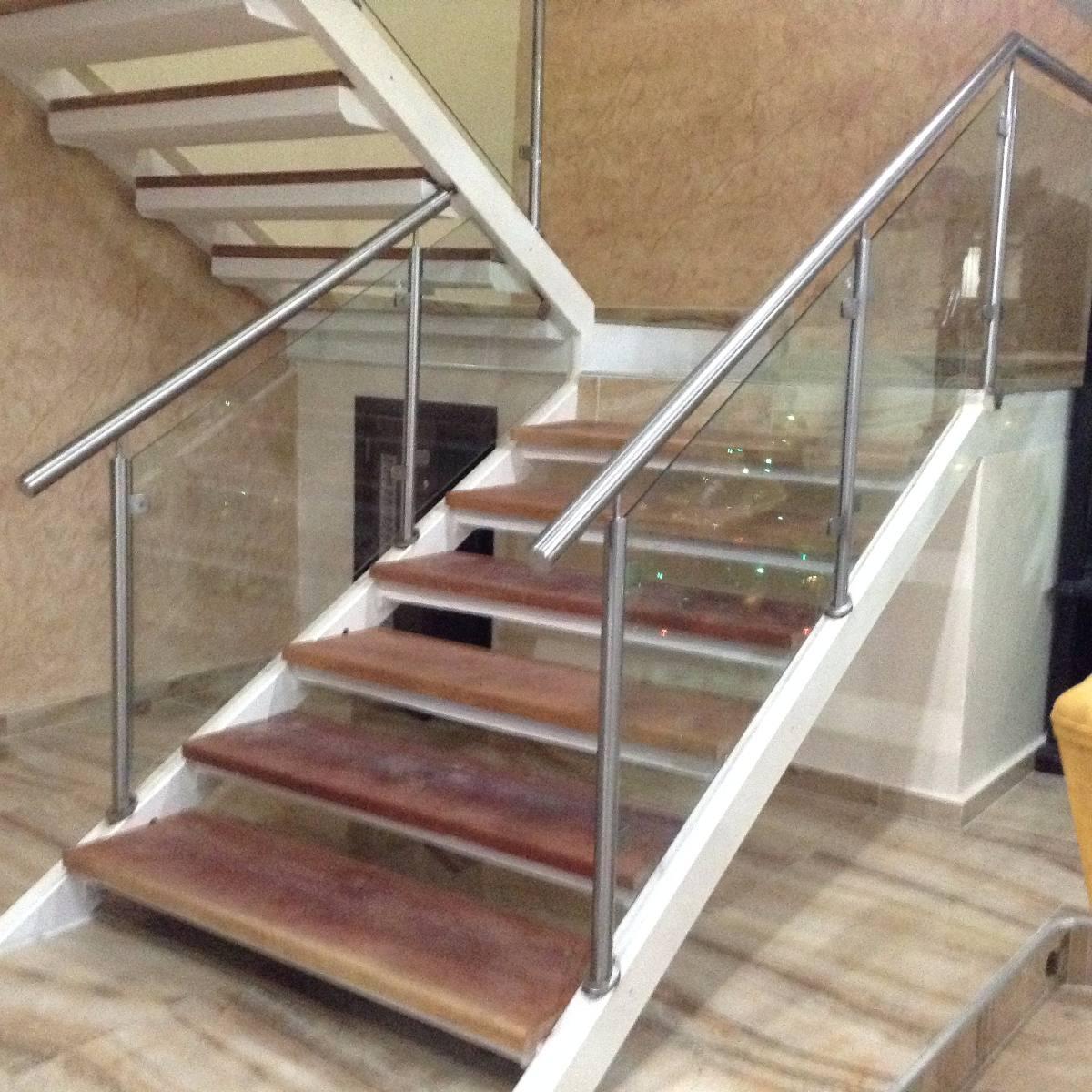Pin barandas pasamanos escaleras acero inoxidable abril genuardis portal on pinterest - Pasamanos de cristal ...