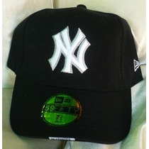 Gorra New York Yankees Cerrada 7 1/8 Negra.