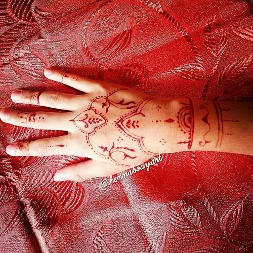 Henna Tatuajes Corporales