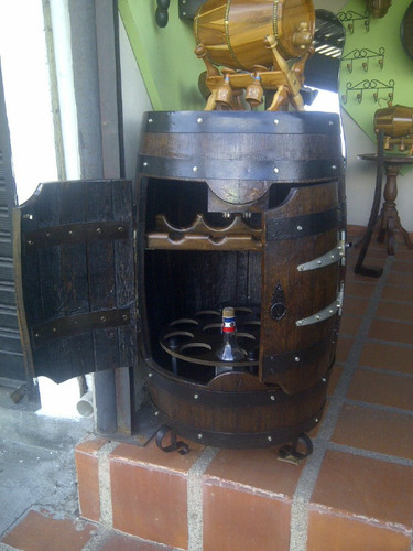 Mueble Bar Madera De Roble Artesania En Barril  Bs 150000,00 en