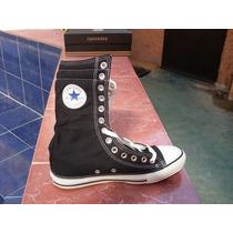 Botas Converse Negras Suela Blanca Clásicas 30 Cms. Altura
