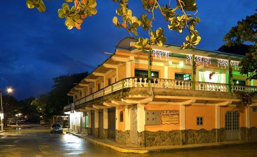 Posada En Chuspa , Costa Bonita