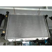 Radiador Ford F100/150 Bronco 8 Cilindros Automotica