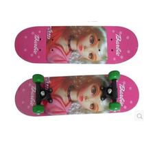Patineta Skate De Barbie Rosada Con Casco
